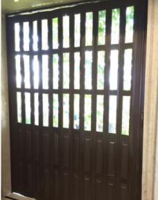 灵动折叠门胡桃木透明隔断